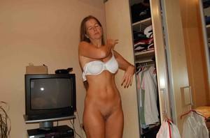 http://img29.imagetwist.com/th/16746/r6edh99k94j8.jpg