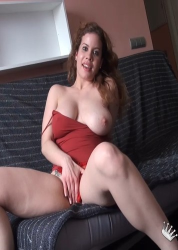 ¿Os gustan mis TETAS?. Seguro que sí :-). Pues soy Samira y quiero dedicarme al porno!!