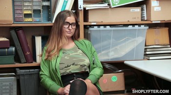 Shoplyfter Dakota Rain