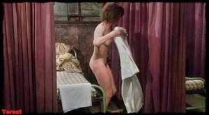 Felicity Dean,Sally Sagoe  in Steaming (1985) B76q0j7ykzw8