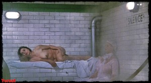 Felicity Dean,Sally Sagoe  in Steaming (1985) G5h3l2bmtdse