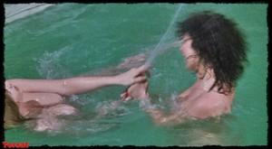 Felicity Dean,Sally Sagoe  in Steaming (1985) K10vqgrynys1