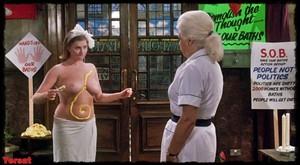 Felicity Dean,Sally Sagoe  in Steaming (1985) Pwa77yuondsd