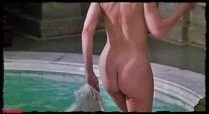 Felicity Dean,Sally Sagoe  in Steaming (1985) Rc0edwhb52q2