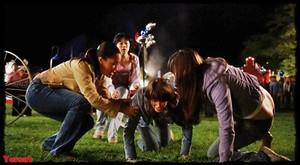 Chelan Simmons & Crystal Lowe in Final Destination 3 (2006) Vvguke0oyrdo