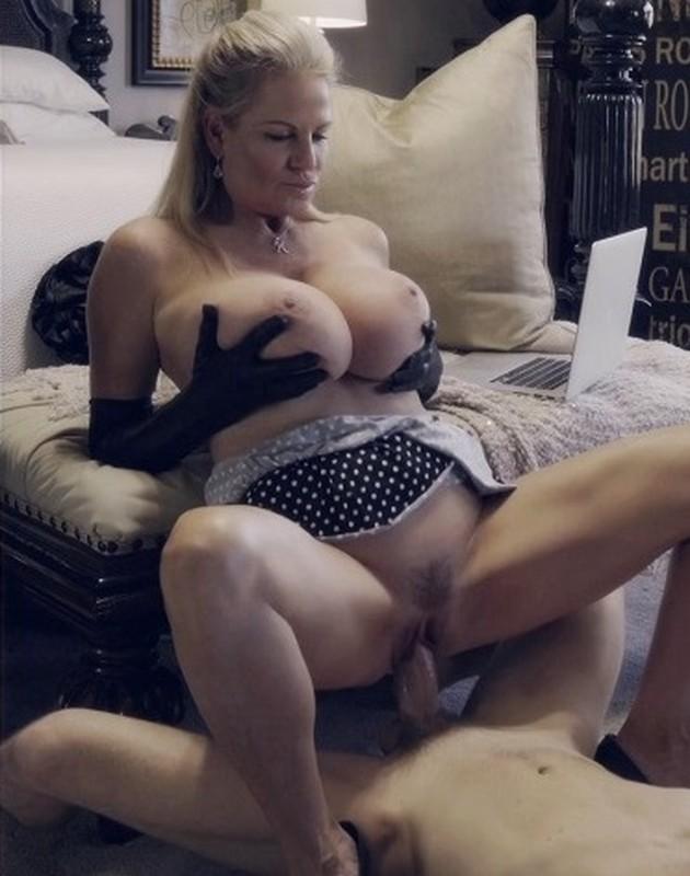 Kelly Madison – Poke-A-Dots Natural Breasts